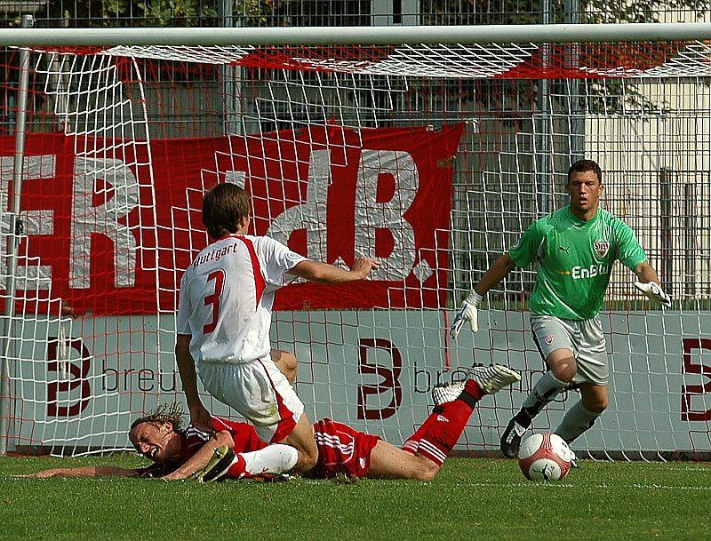 Daniel Beyer am Boden (Foto: Baur)