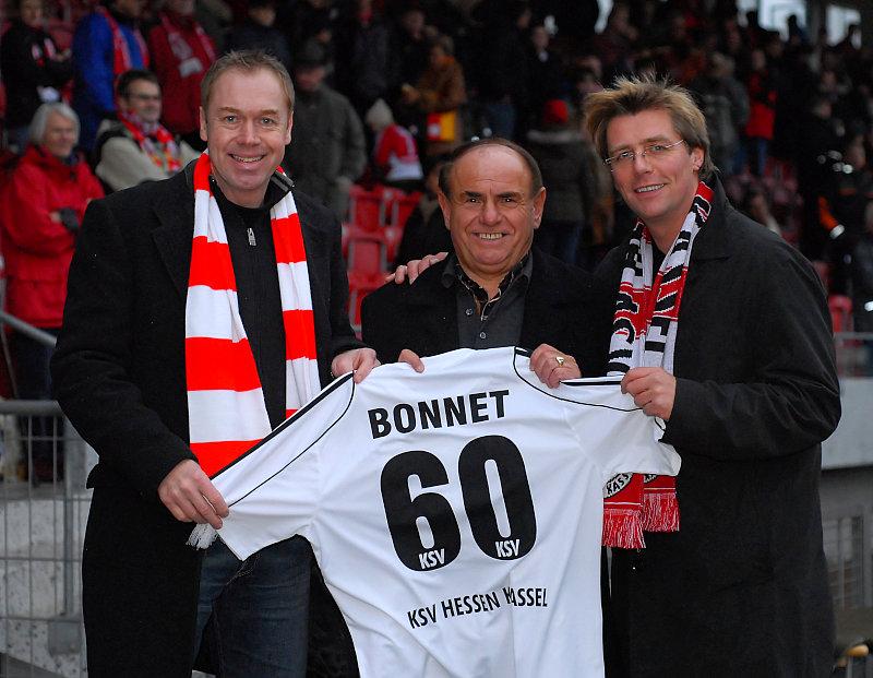Gratulation zum 60. Geburtstag an Heinz Bonnet (mi.) von Jochen Gabriel (li.) und J�rg Schmidt (re.)