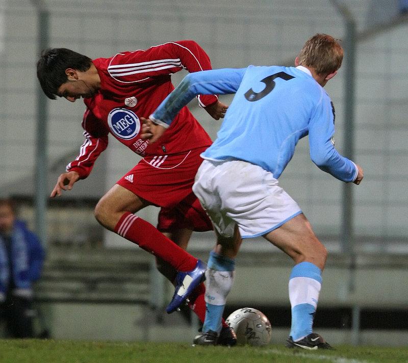 Murat Turhan (links) gegen Florian Tausendpfund (rechts)