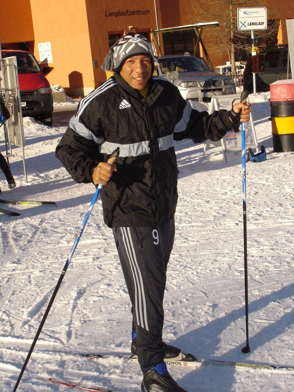 Cesar in der Schweiz das erste Mal auf Skiern