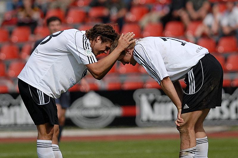 Mario Klinger und Thorsten Bauer (rechts) nach Spielende