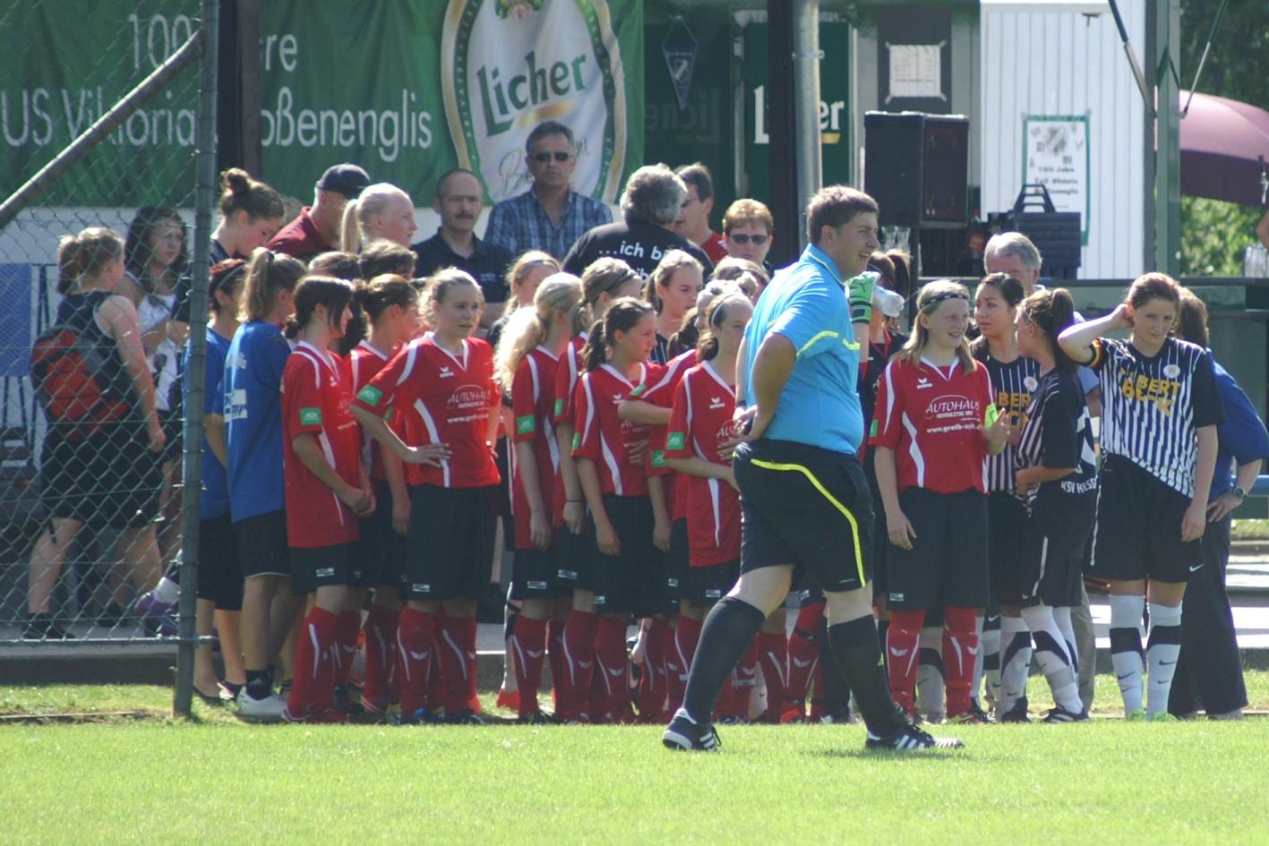 KSV B-Juniorinnen - Vikt. Gro�enenglis: Einlauf