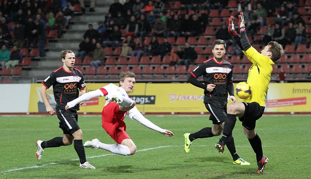 Christopher Kullmann erzielt das 1:1 im Nordhessenderby