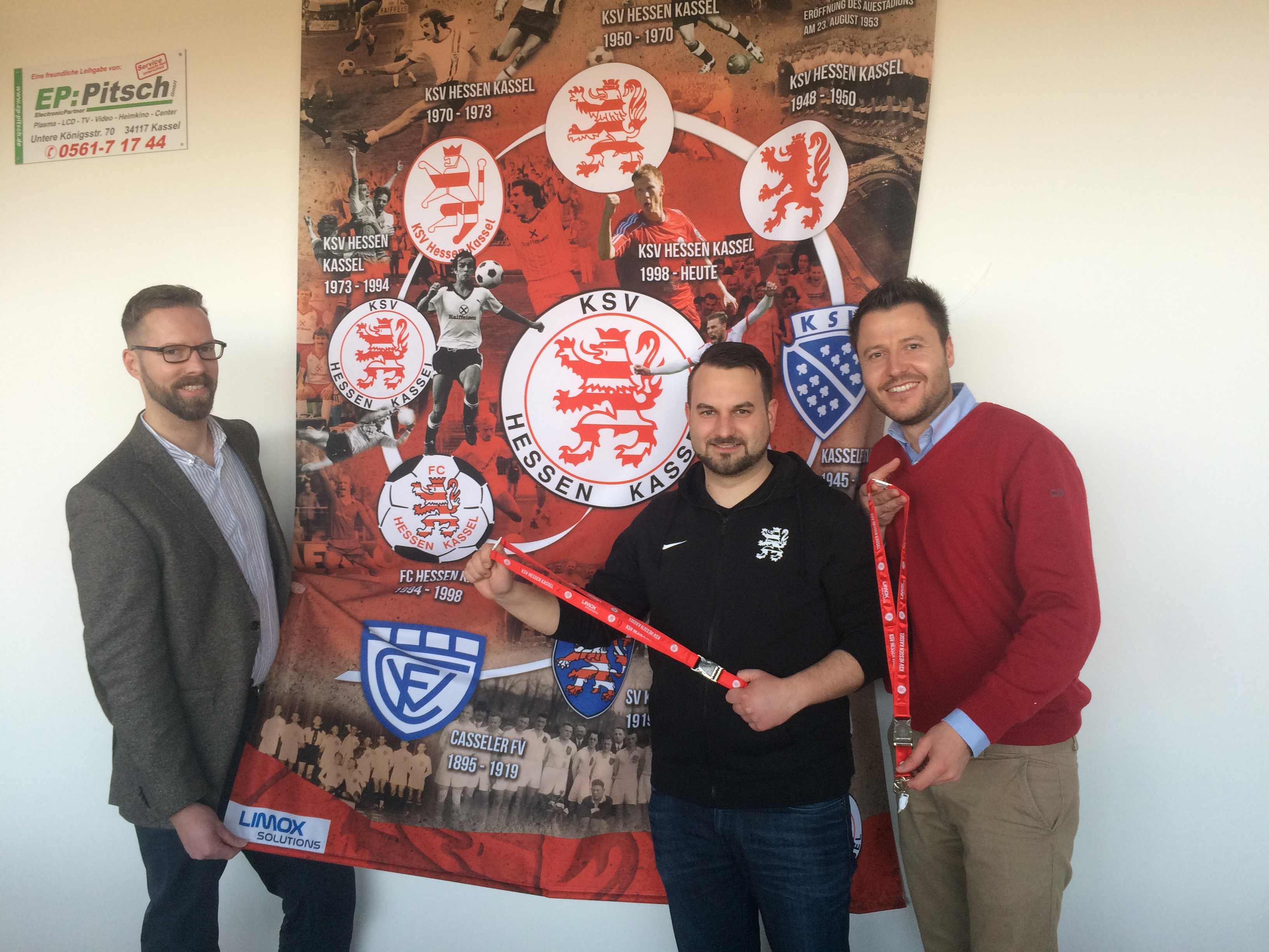 Limox pr�sentiert Banner im VIP-Raum: Christian Cnyrim, Tobias Zeller, Michael Krannich