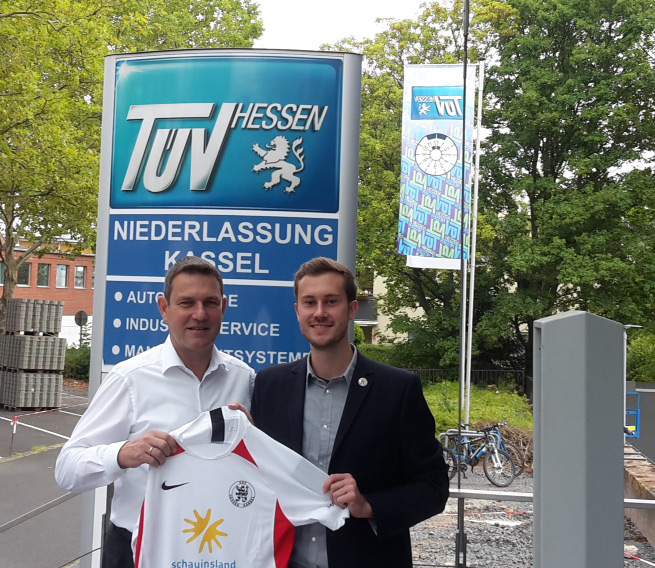 TüV Hessen bleibt Partner des KSV: Boris Hermes mit Dennis Frank-Böckmann