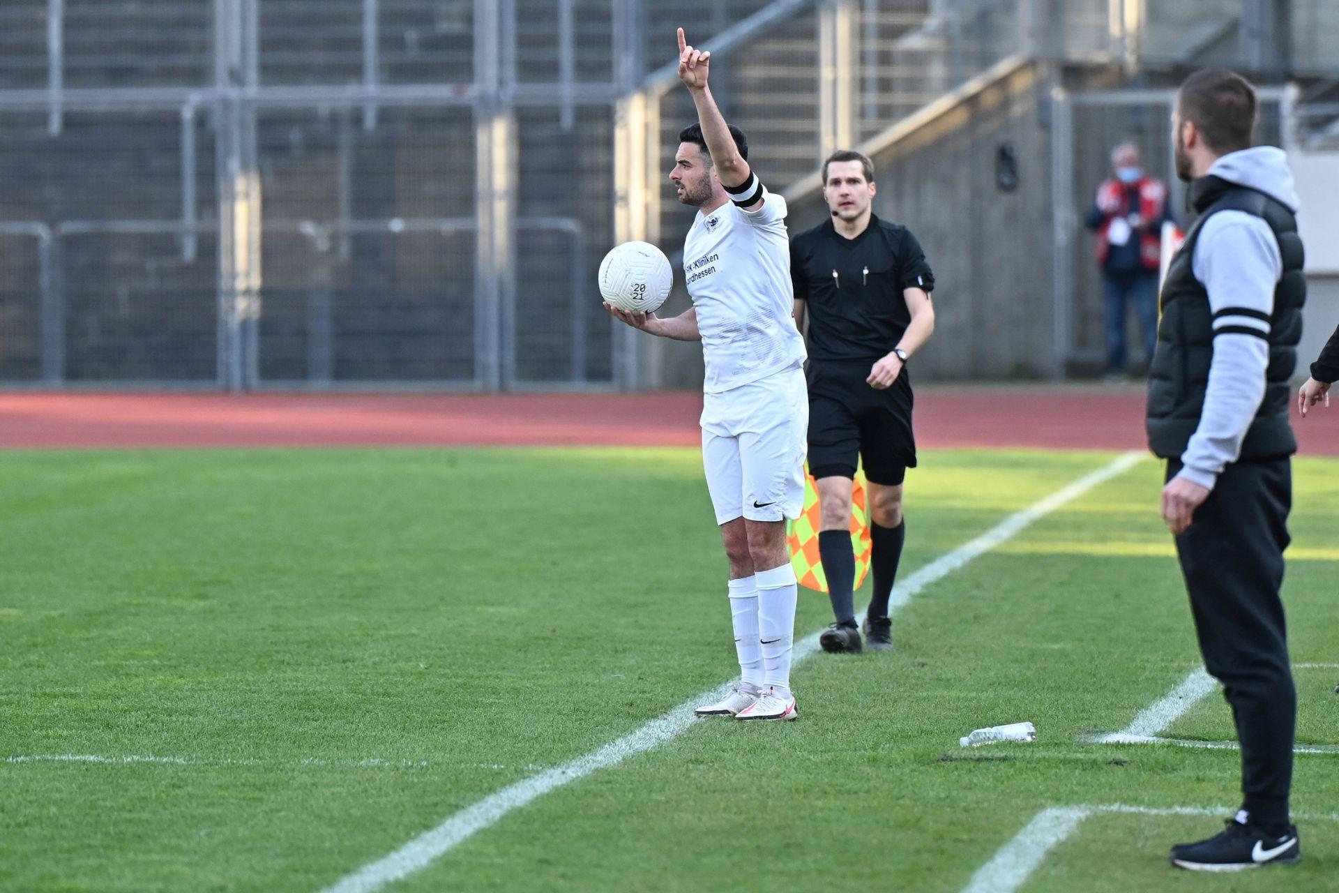 Regionalliga Südwest 2020/21, KSV Hessen Kassel, Bahlinger SC, Endstand 1:1, Adrian Bravo Sanchez, Tobias Damm