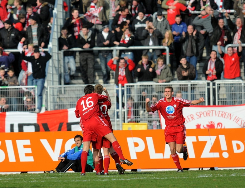 Torjubel nach dem 1: 1, Tobias Willers (KSV Hessen Kassel) (R)