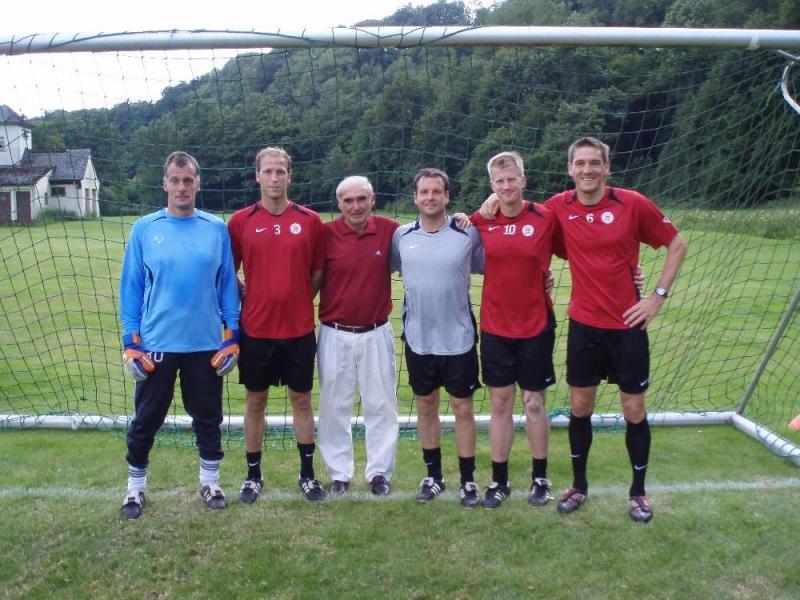 Karl Heinz M�ller mit Dickhaut, Gibhardt, Bauer, Sch�newolf, Keim