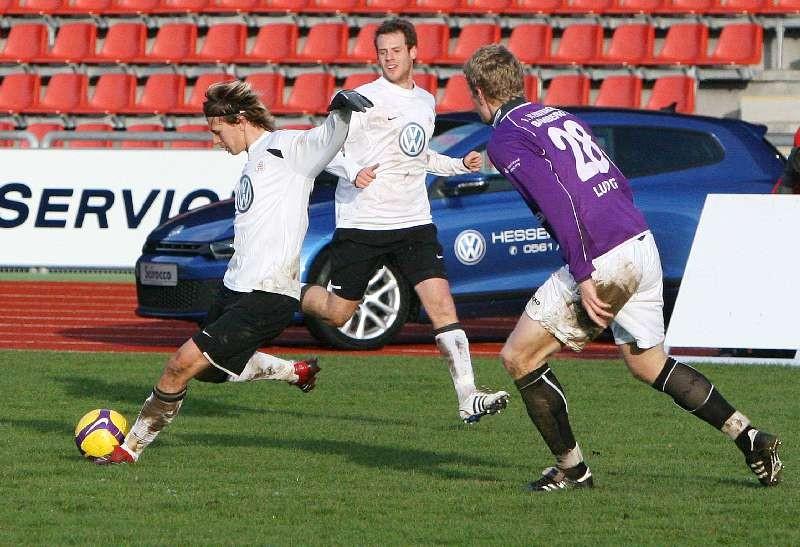 KSV Hessen - Eintracht Bamberg: Kevin W�lk (l) am Ball
