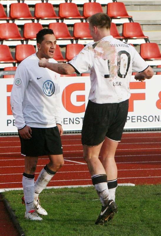KSV Hessen - Eintracht Bamberg: Harez Habib (l) und Thorsten Bauer (r)