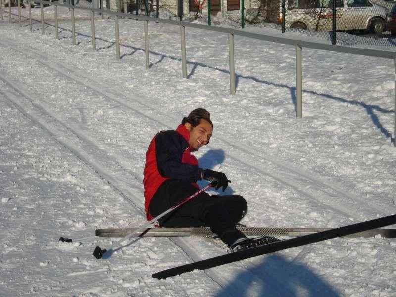 Aller Anfang ist schwer...erstmals auf Skiern...Yusuf Barak