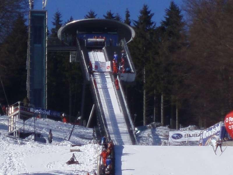 M�hlenkopfschanze in Willingen beim Ski-Weltcup-Einzelspringen 2009