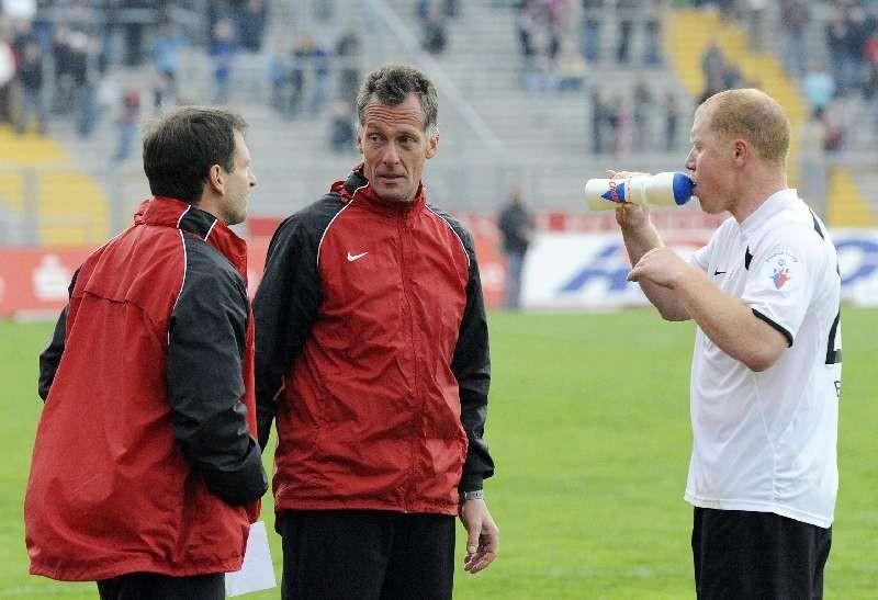 KSV Hessen - SpVgg Unterhaching II: Mirko Dickhaut, Michael Gibhardt und Sebastian Busch