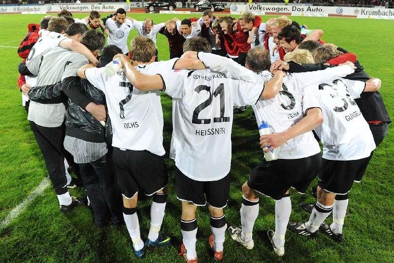 KSV Hessen - 1. FC N�rnberg II: Jubel der Mannschaft