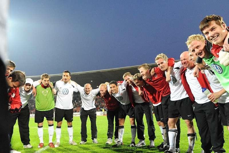 KSV Hessen - 1. FC N�rnberg II: Jubel �ber den Sieg