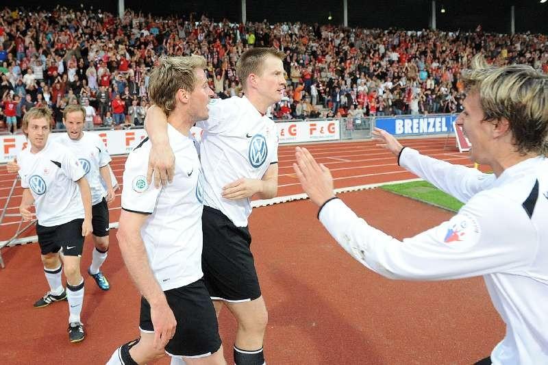 KSV Hessen - 1. FC N�rnberg II: Mannschaftsjubel