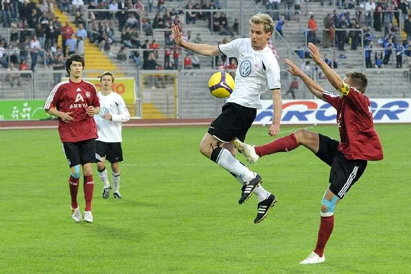 KSV Hessen - 1. FC N�rnberg II: Enrico Gaede, W�lk im Hintergrund