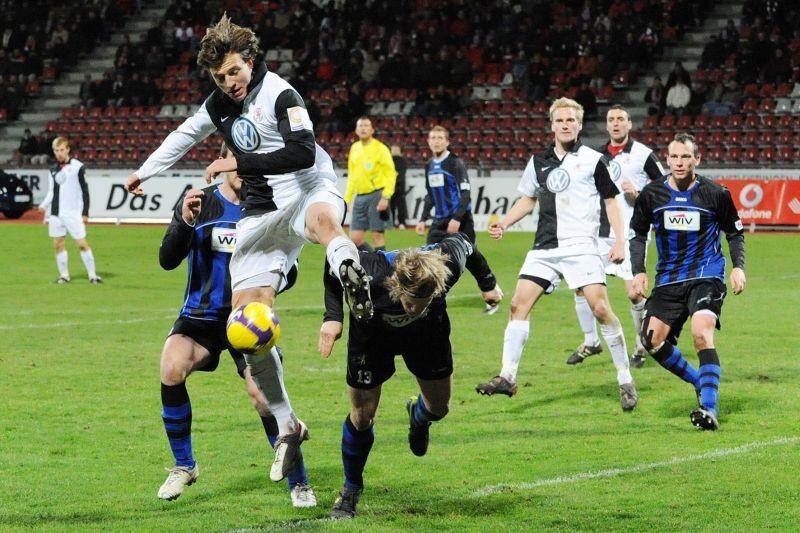 KSV Hessen - SpVgg Weiden: Dennis Tornieporth, Marcel Stadel, Sebastian Gundelach, Michael Zepek