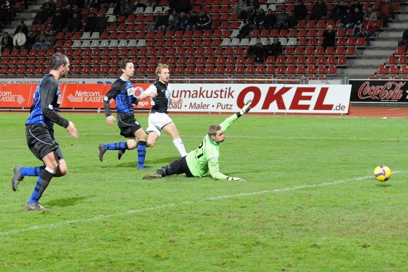 KSV Hessen - SpVgg Weiden: Dennis Tornieporth