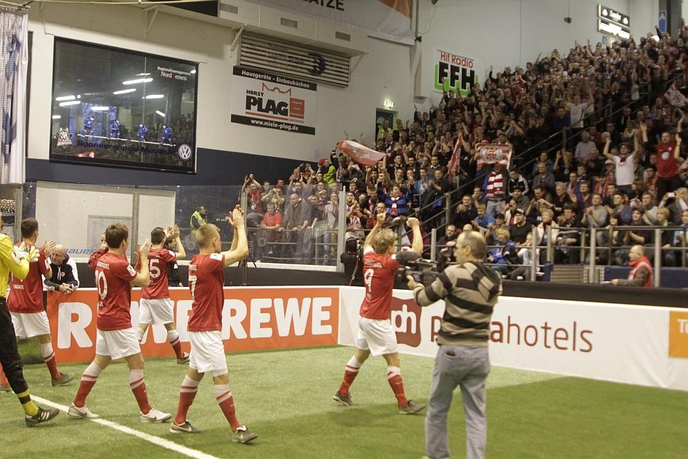 Fans und Mannschaft freuen sich auf das Hallenspektakel