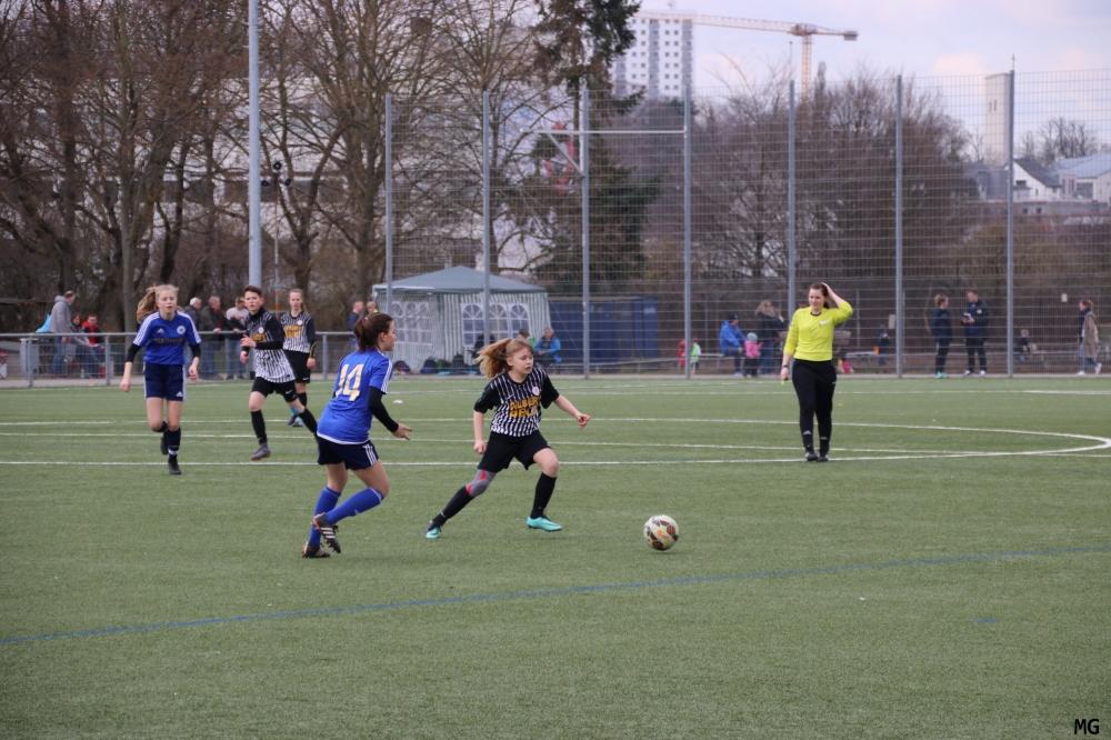006_KSV-FC Zürich_Nina Rose (Bildmitte).JPG