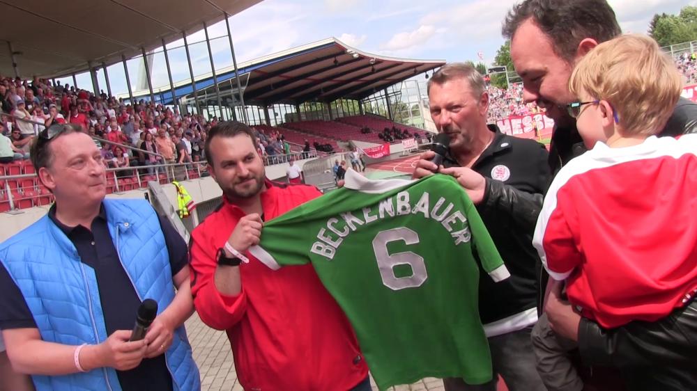 Beckenbauer Trikotübergabe Rolf Klug