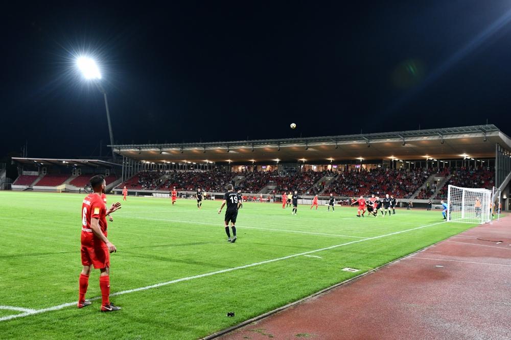 Lotto Hessenliga 2018/2019, KSV Hessen Kassel, FSC Lohfelden, Endstand 1:0, Adrian Bravo Sanchez (KSV Hessen Kassel)