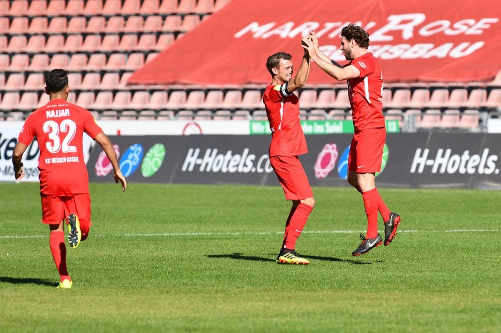 Lotto Hessenliga 2018/2019, KSV Hessen Kassel, SG Barockstadt Fulda-Lehnerz, Endstand 4:1, Jubel zum 1:0