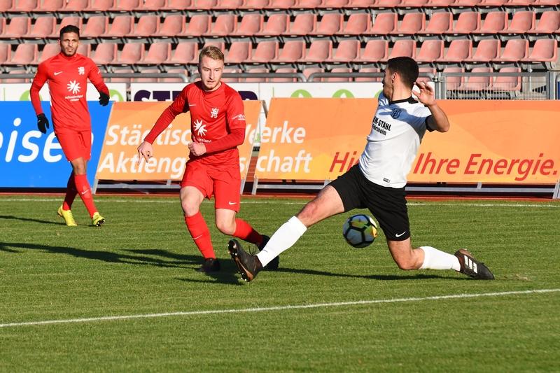 Lotto Hessenliga 2018/2019, KSV Hessen Kassel, FC Eddersheim, Endstand 3:0, Janik Ziegler (KSV Hessen Kassel)