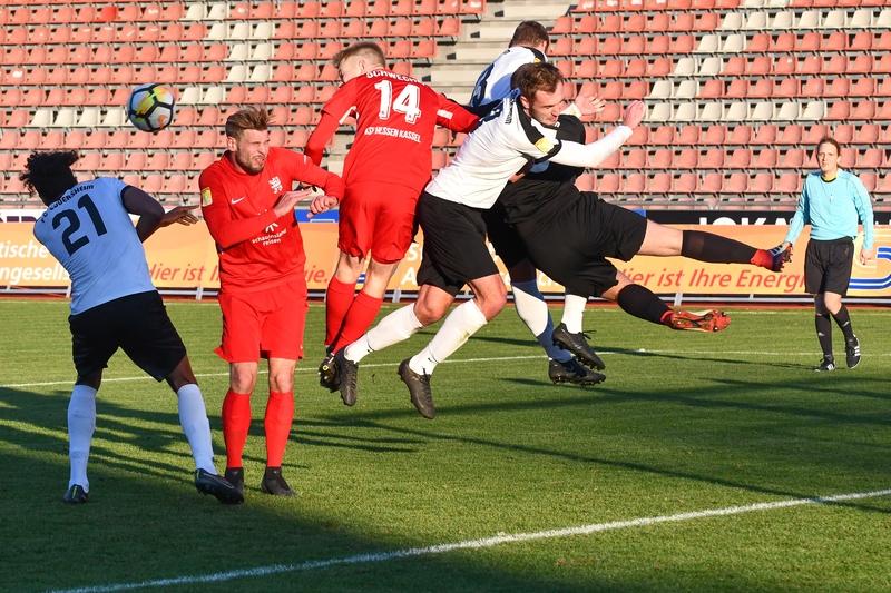 Lotto Hessenliga 2018/2019, KSV Hessen Kassel, FC Eddersheim, Endstand 3:0, Sebastian Schmeer (KSV Hessen Kassel), Brian Schwechel (KSV Hessen Kassel)