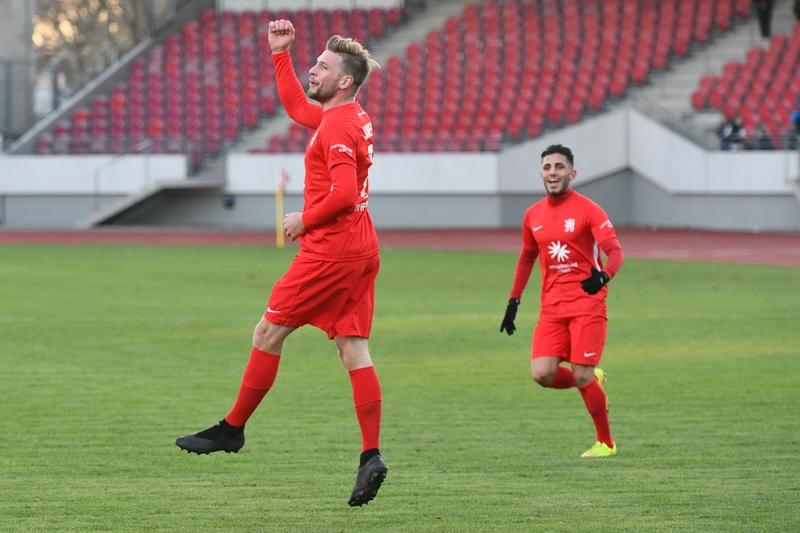 Lotto Hessenliga 2018/2019, KSV Hessen Kassel, FC Eddersheim, Endstand 3:0, Jubel zum 3:0, Sebastian Schmeer (KSV Hessen Kassel)