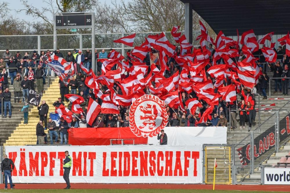 Lotto Hessenliga 2018/2019, KSV Hessen Kassel, Spvgg. Neu-Isenburg, Endstand 3:1