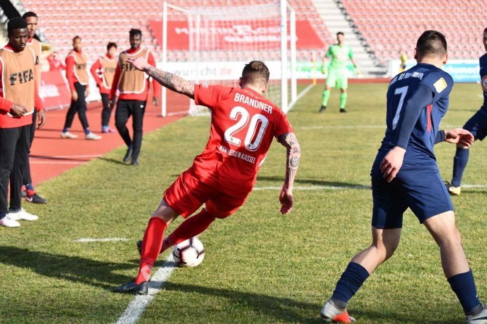 Lotto Hessenliga 2018/2019, KSV Hessen Kassel, Spvgg. Neu-Isenburg, Endstand 3:1, Tim Philipp Brandner (KSV Hessen Kassel)