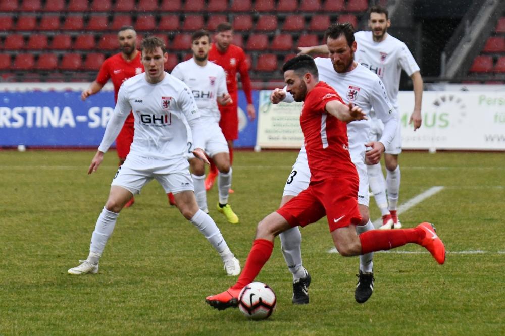 Lotto Hessenliga 2018/2019, KSV Hessen Kassel, FC Giessen, Endstand 0:0, Adrian Bravo Sanchez (KSV Hessen Kassel)
