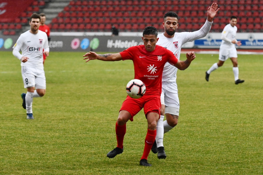 Lotto Hessenliga 2018/2019, KSV Hessen Kassel, FC Giessen, Endstand 0:0, Nael Najjar (KSV Hessen Kassel)