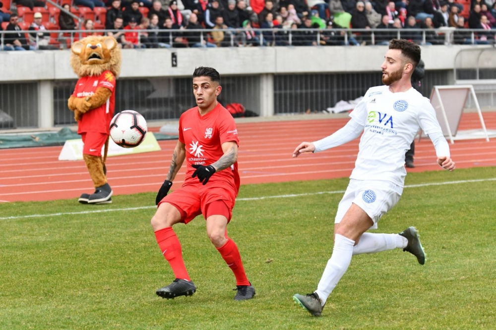 Lotto Hessenliga 2018/2019, KSV Hessen Kassel, FC Bayern Alzenau, Endstand 2:0, Nael Najjer (KSV Hessen Kassel)