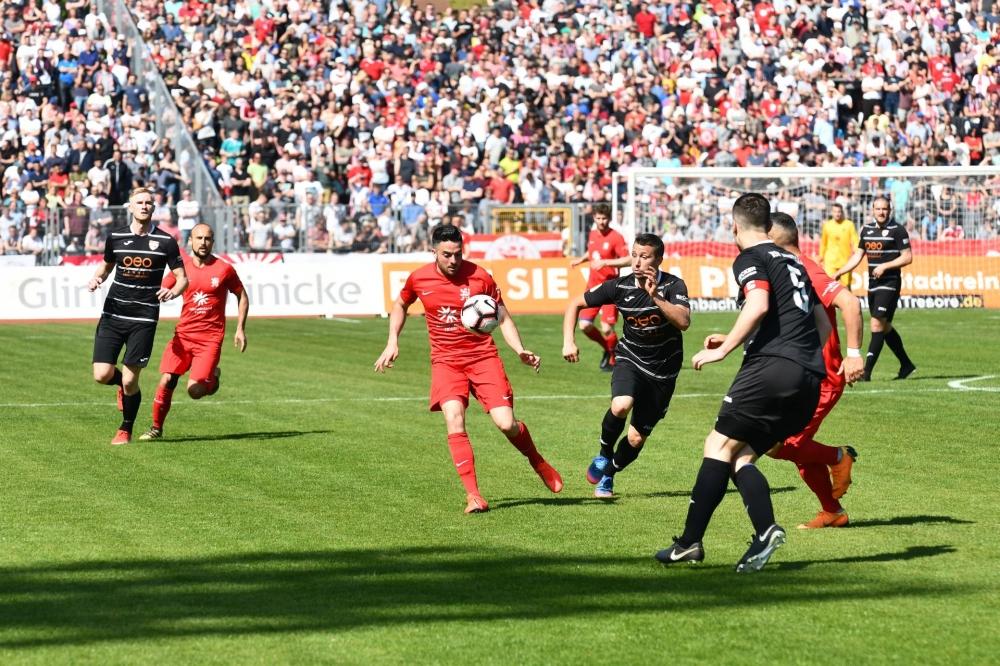 Lotto Hessenliga 2018/2019, KSV Hessen Kassel, KSV Baunatal, Endstand 3:1; Adrian Bravo Sanchez (KSV Hessen Kassel)