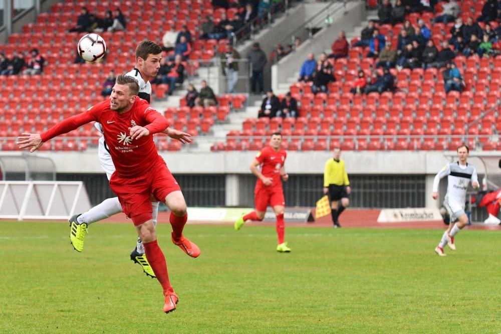 Lotto Hessenliga 2018/2019, KSV Hessen Kassel, SC Waldgirmes, Endstand 2:2, Sebastian Schmeer (KSV Hessen Kassel)
