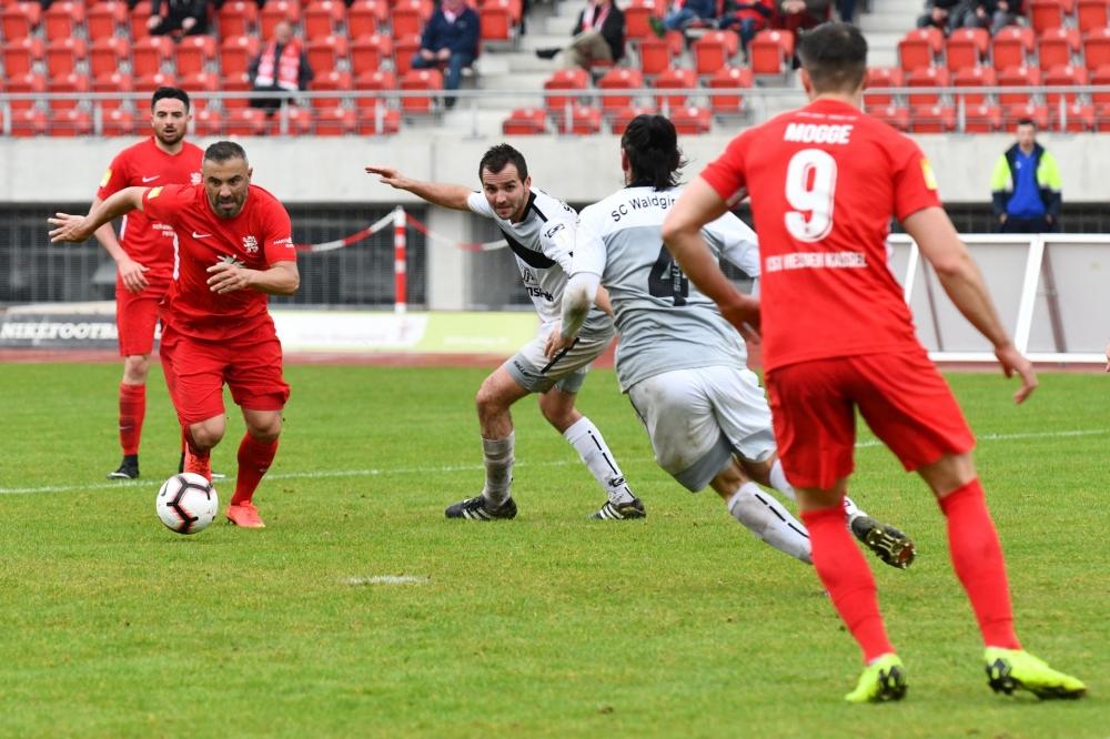 Lotto Hessenliga 2018/2019, KSV Hessen Kassel, SC Waldgirmes, Endstand 2:2, Mahir Saglik (KSV Hessen Kassel)