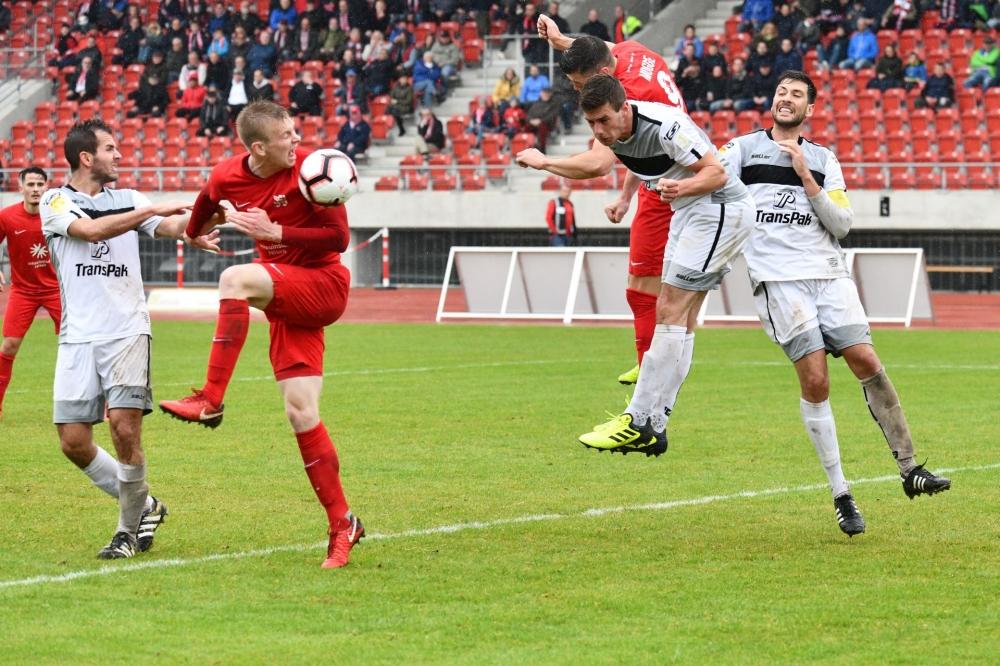 Lotto Hessenliga 2018/2019, KSV Hessen Kassel, SC Waldgirmes, Endstand 2:2, Brian Schwechel (KSV Hessen Kassel), Jon Mogge (KSV Hessen Kassel)