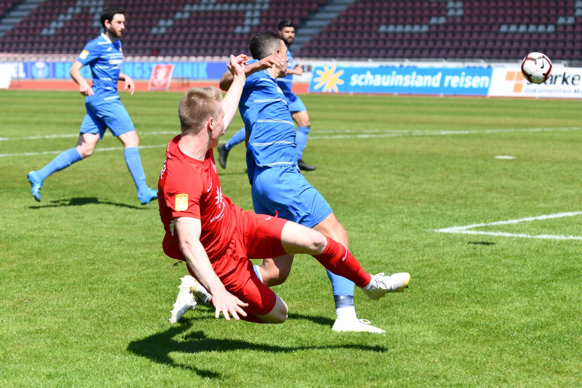 Lotto Hessenliga 2018/2019, KSV Hessen Kassel, T�rk G�c� Friedberg, Endstand 4:0, Brian Schwechel (KSV Hessen Kassel)