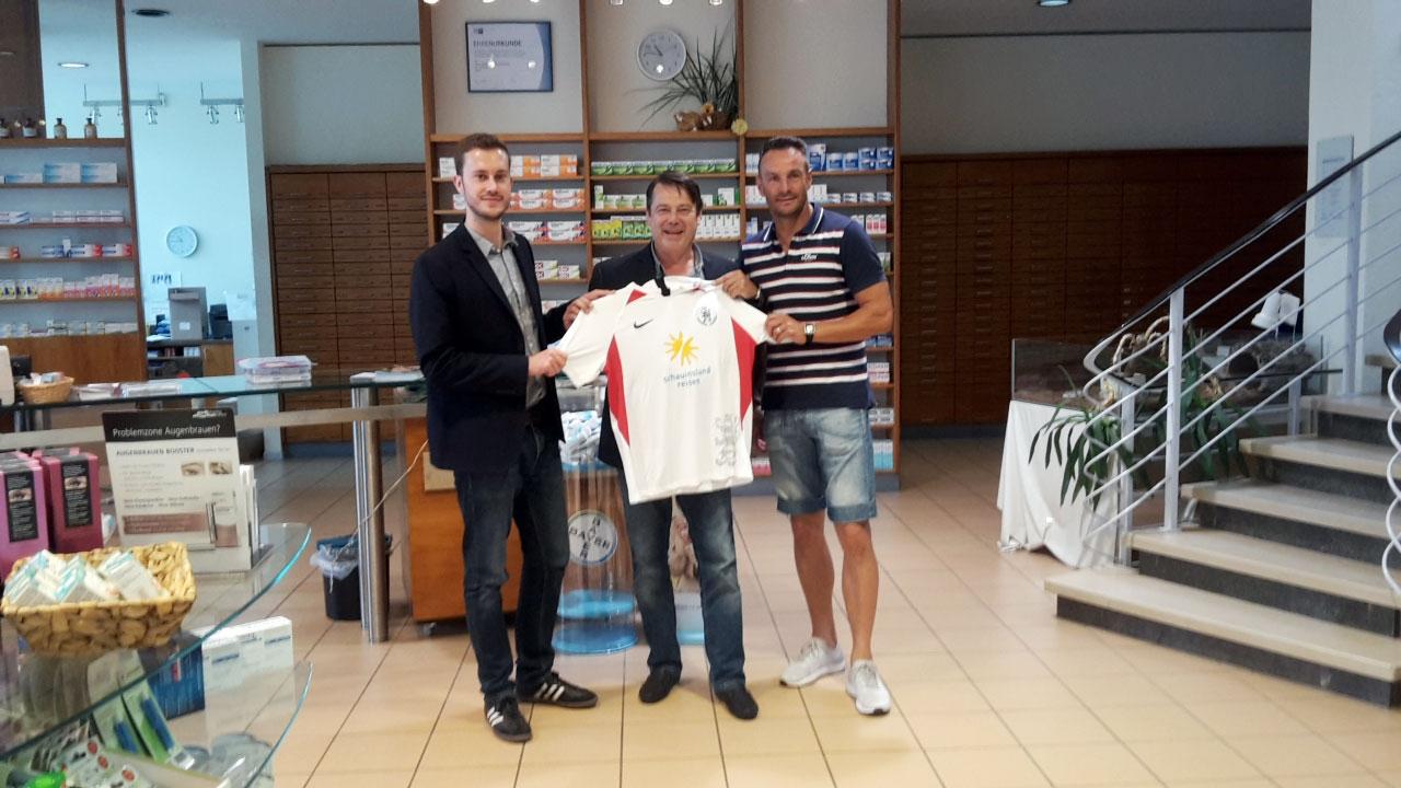 Dennis Frank-Böckmann mit Joachim Schulz und Dietmar Hirsch