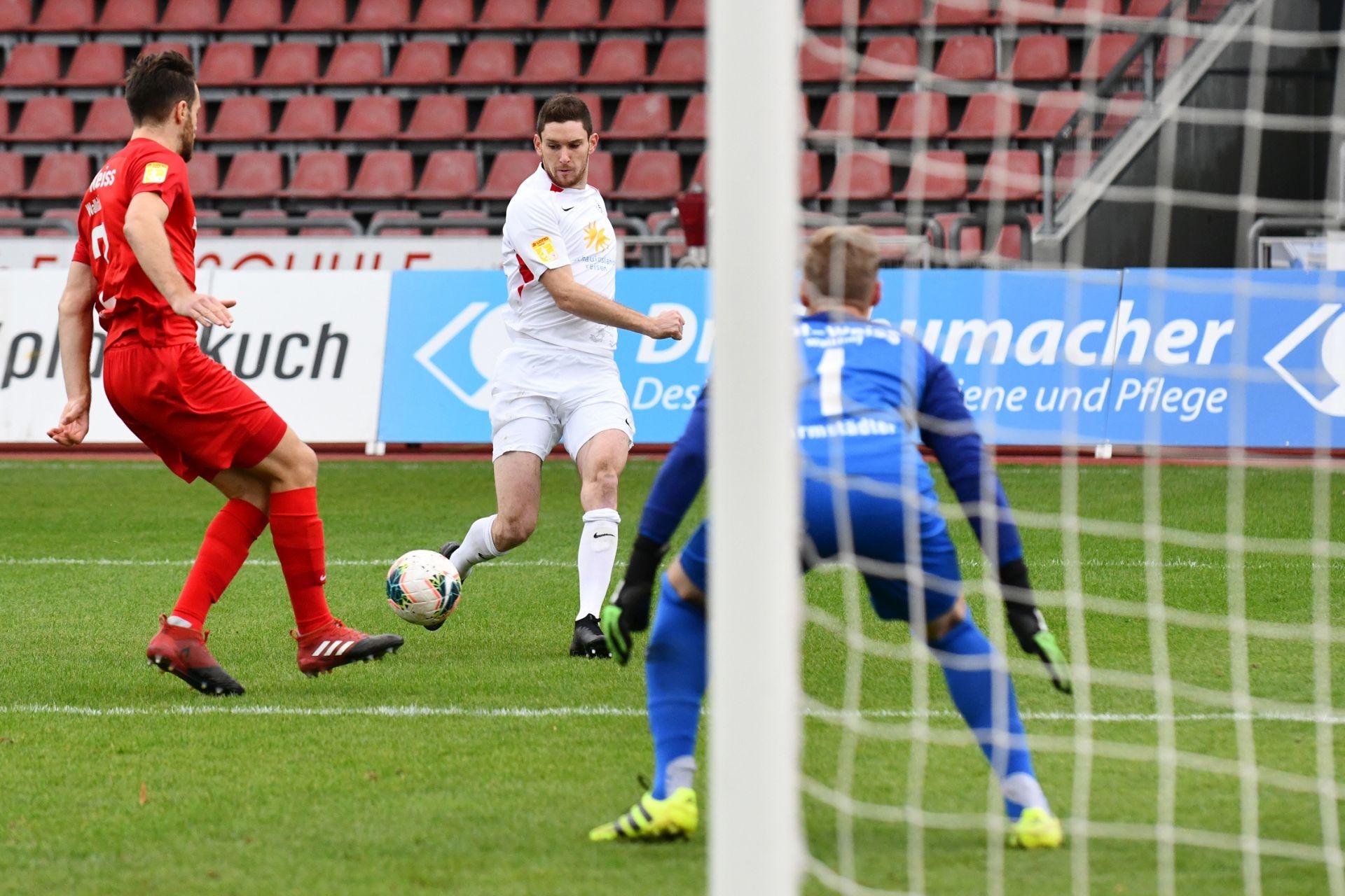 KSV Hessen Kassel, Rot-Weiss Walldorf, Endstand 4:0, Lukas Iksal (KSV Hessen Kassel)