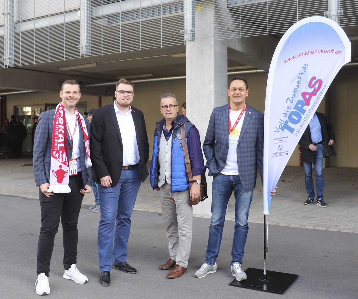 TOPAS Azubibegrüßung mit Kreishandwerkerschaft Kassel: Daniel Bettermann, Marius Jung, Uwe Loth, Swen Meier