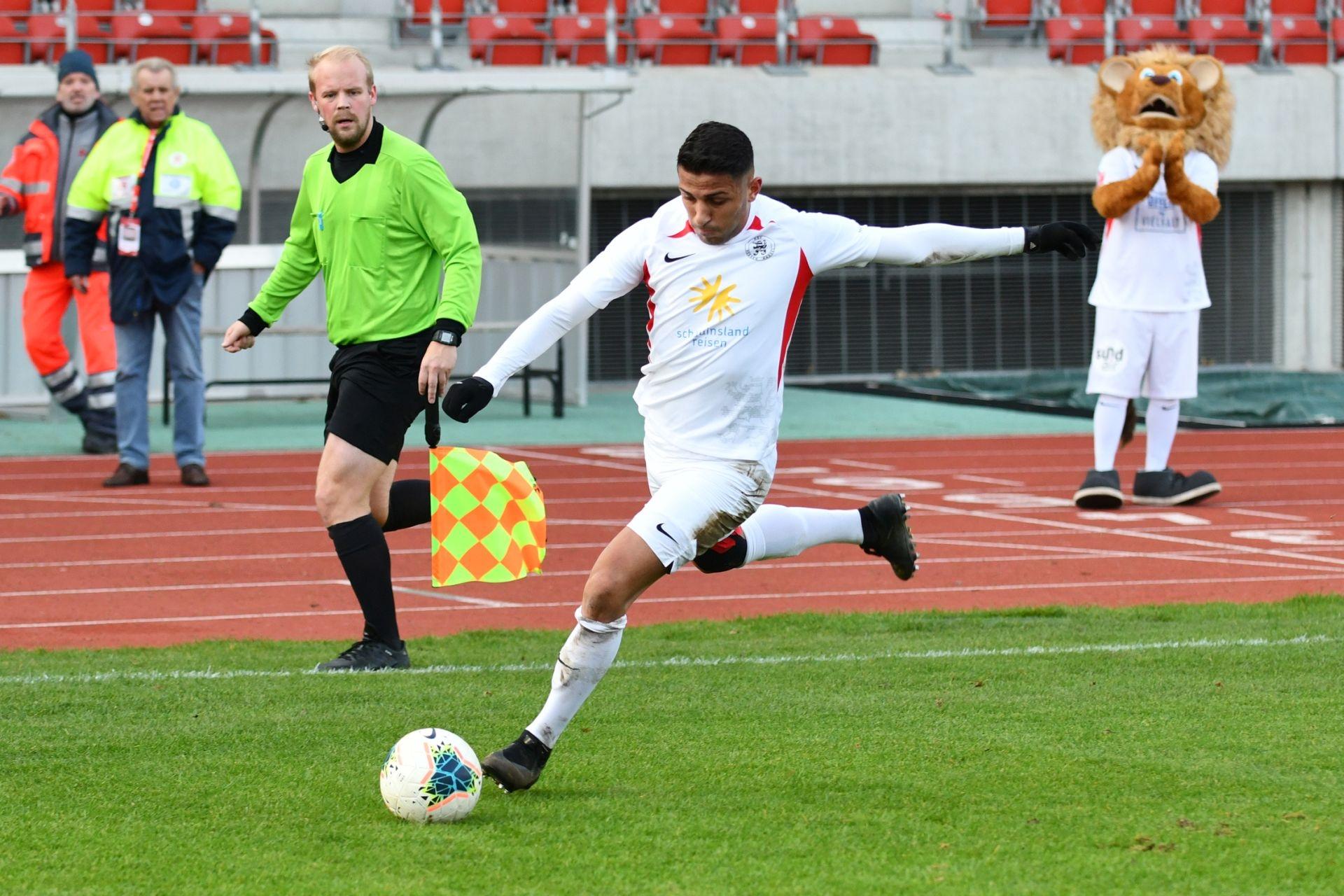 Lotto Hessenliga 2019/2020, KSV Hessen Kassel, SC Waldgirmes, Endstand 4:1, Nael Najjar (KSV Hessen Kassel)