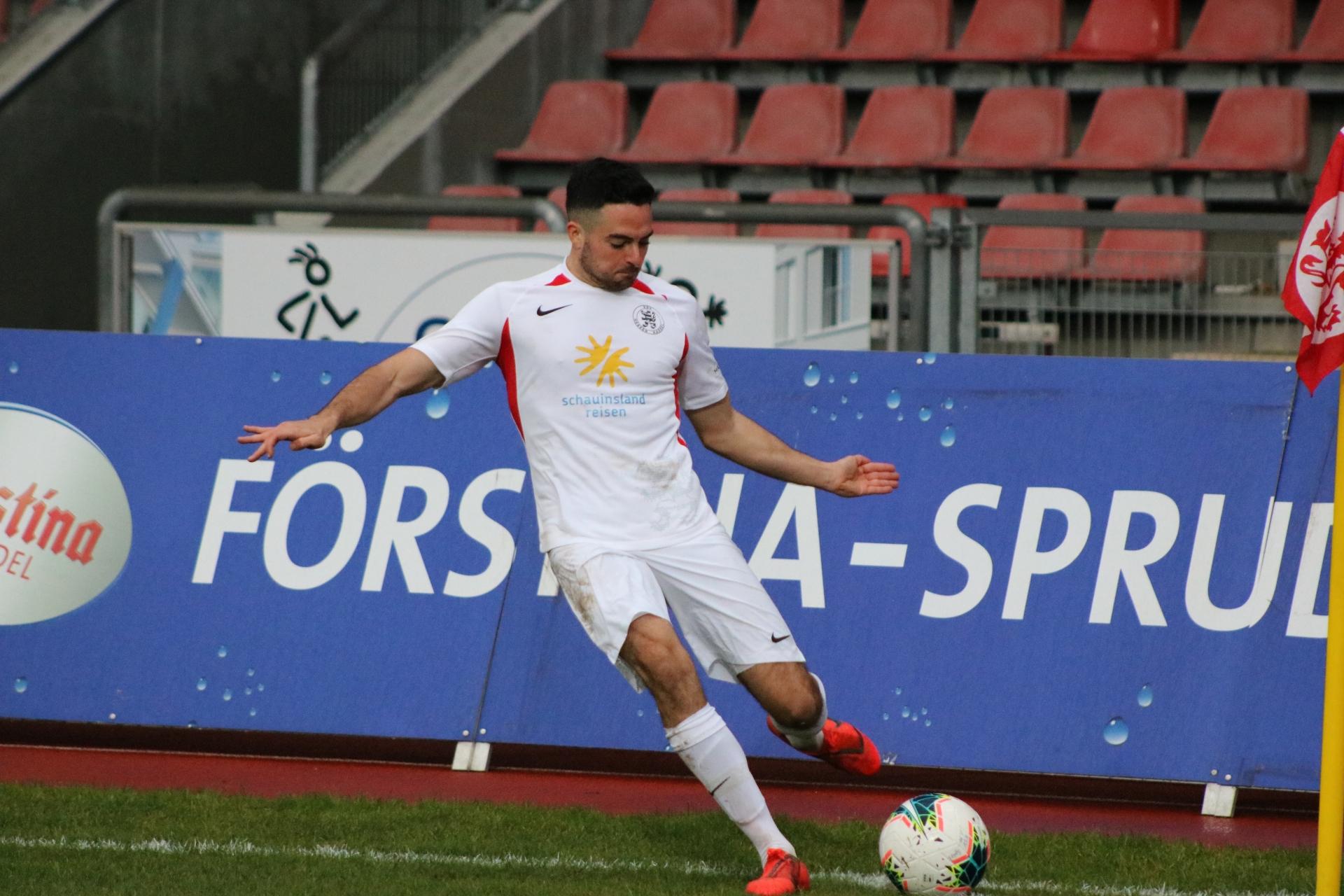 Lotto Hessenliga 2019/2020, KSV Hessen Kassel, FV Bad Vilbel, Endstand 6:1, Adrian Bravo Sanchez (KSV Hessen Kassel)