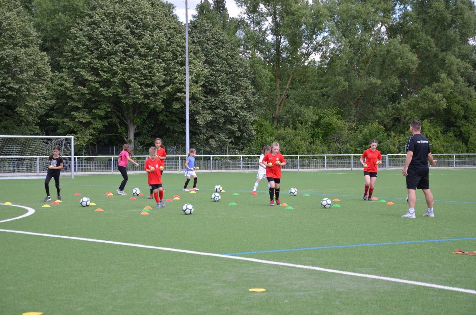 Training D-Juniorinnen (2).jpg