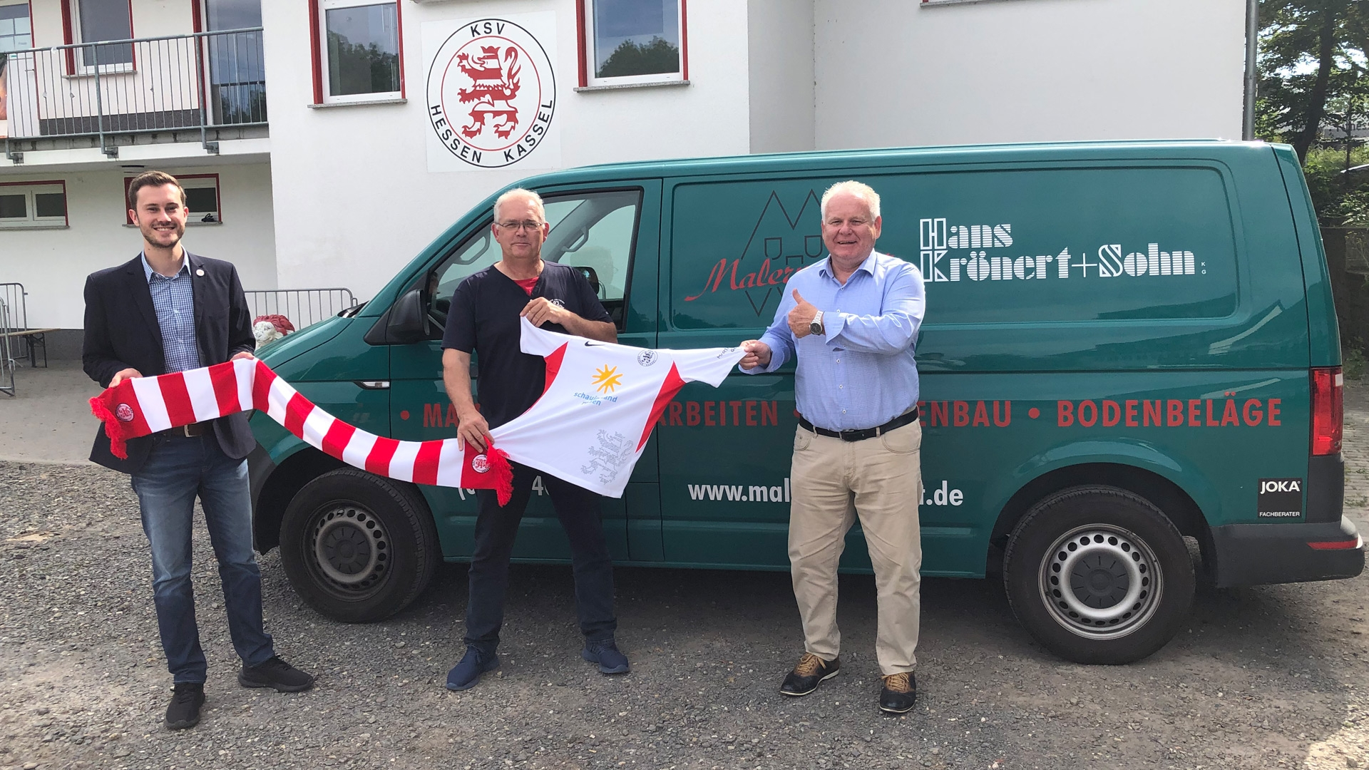 Stephan Krönert bleibt mit dem Malerfachbetrieb Hans Krönert bleibt Partner der Löwen