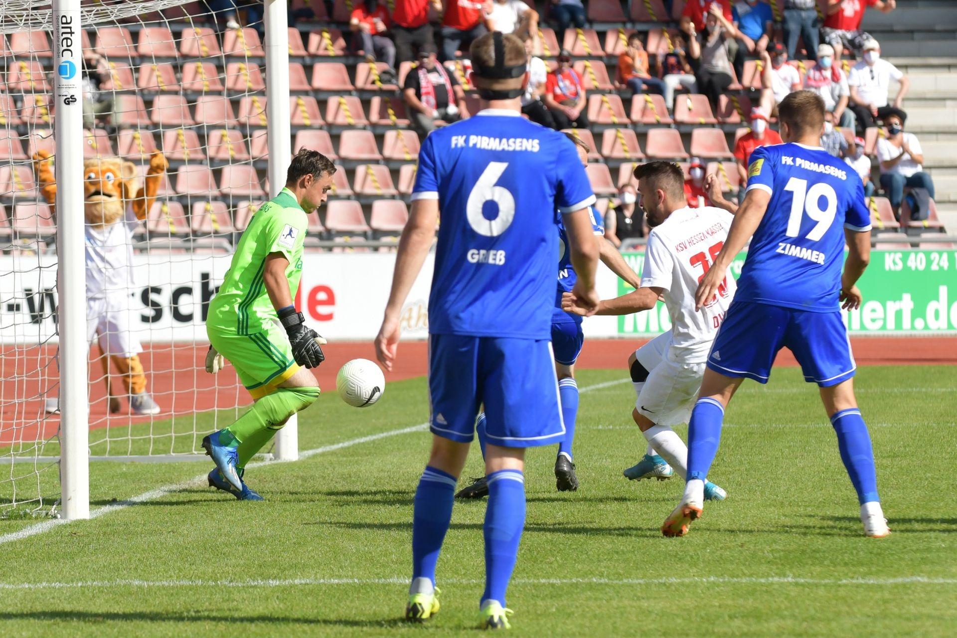 Regionalliga S�dwest 2020/21, KSV Hessen Kassel, FK 03 Pirmasens, Endstand 1:1, Torschuss zum 1:1