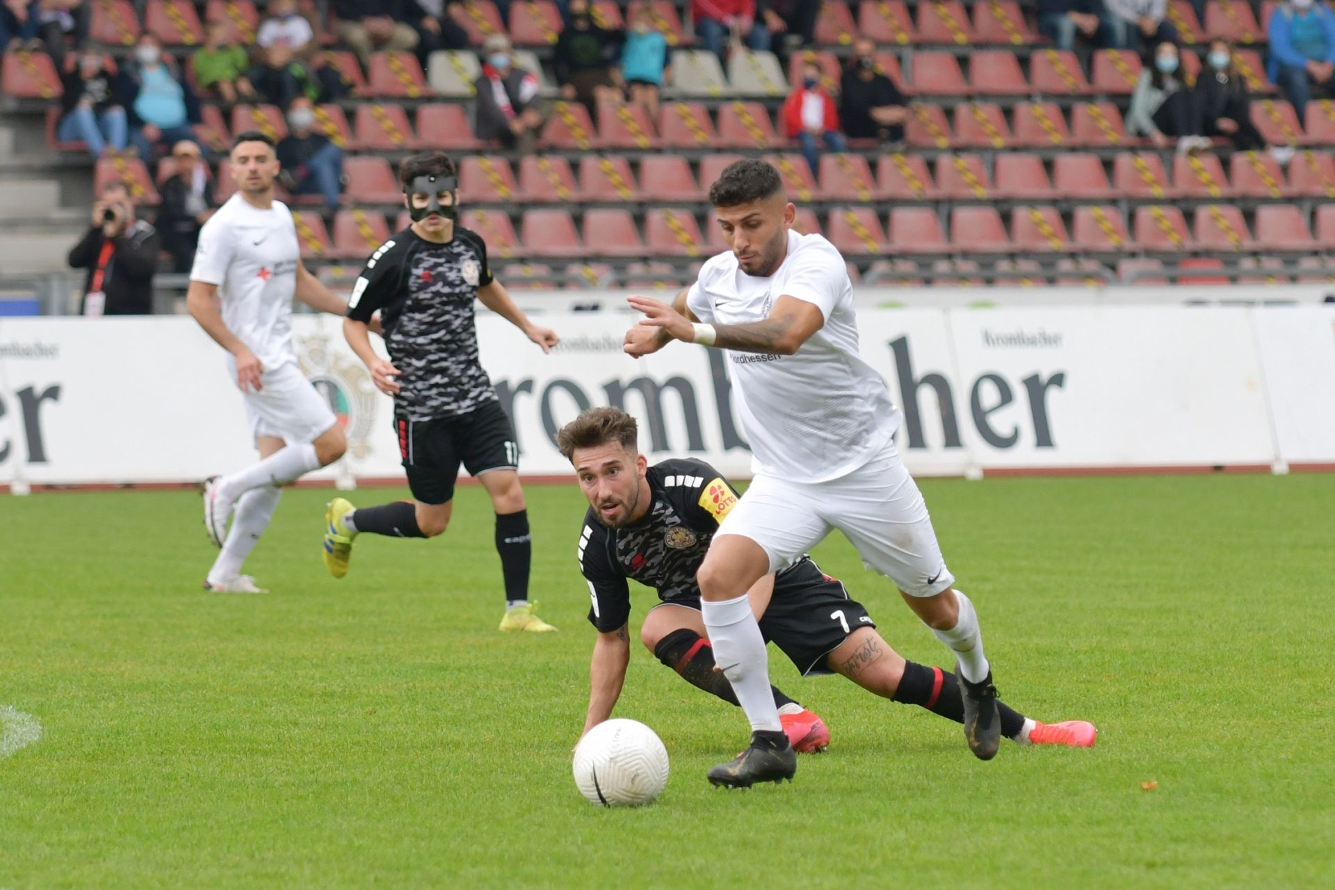 Regionalliga Südwest 2020/21, KSV Hessen Kassel, Rot-Weiss-Koblenz, Endstand 1:1, Nael Najjar
